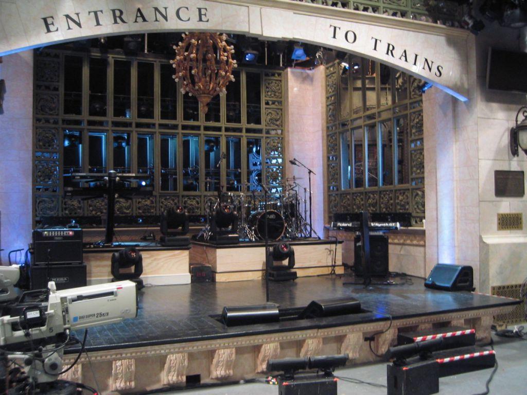 Emily Blunt SNL Stage